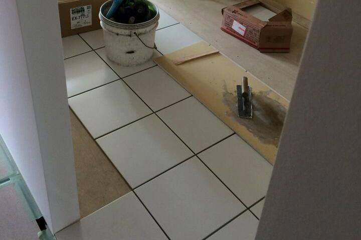 キッチン・床タイル貼り工事