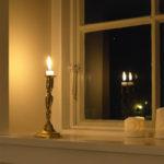 マンションでも簡単、テーブルランプ1灯で、夜の時間が変わる!?