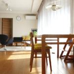 濃い色の床だけどテーブルは何を選ぶべき?大人な北欧ダイニングのつくり方