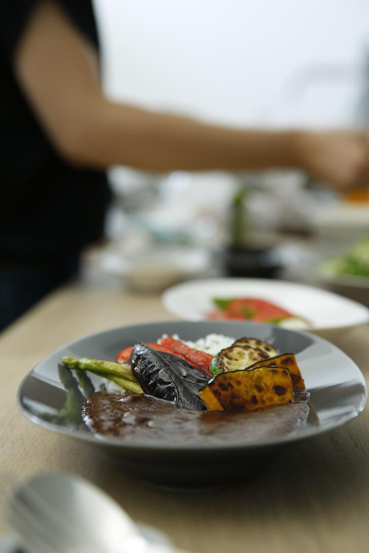 イイホシユミコ オーバルプレート カレー皿
