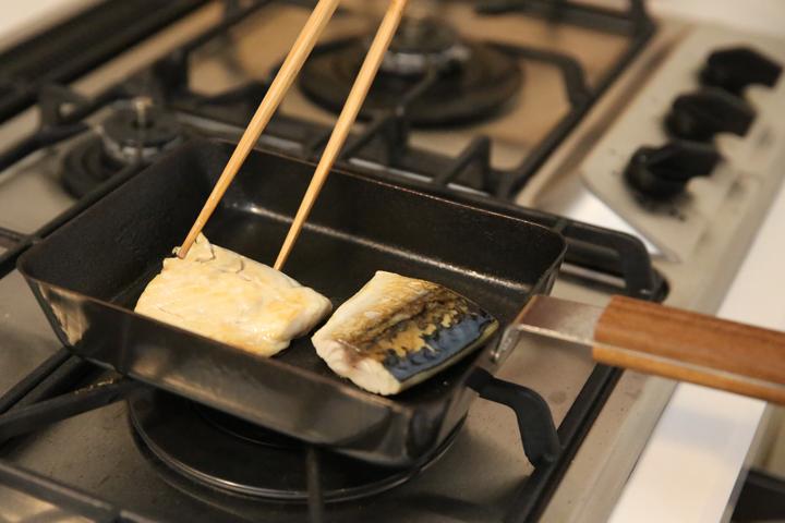 ambai 玉子焼き フライパン 魚