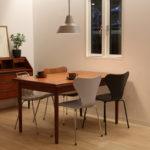 マンション暮らしのダイニングテーブル選びに、北欧ヴィンテージテーブルが買って損なしなワケ