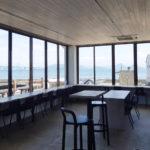 Fritz HansenとCONNECTが本島でコラボ!『N01』に座ってゆったり島時間を過ごしませんか
